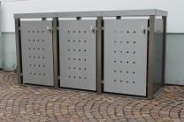 Mülltonnenbox aus Edelstahl mit Vierkantpfosten 3x 240 Liter